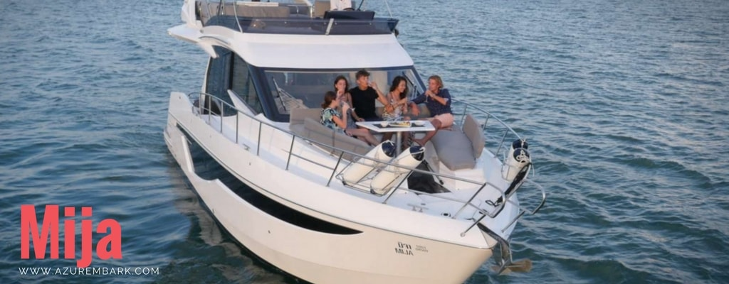 motor-yacht-for-charter-thailand